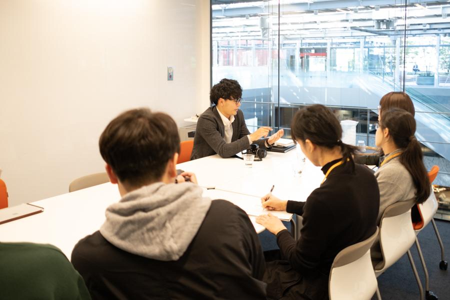 神戸芸術工科大学の学生さんたちにインタビューしていただきました